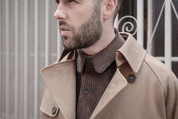 drab-cotton-twill-trench-coat-worn-5-rob